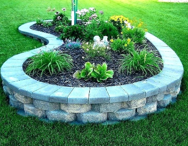 Natural Stones in Raised Beds