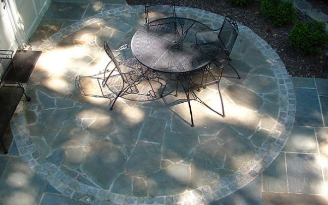 Flagstone in Your Patio for Beautiful Simplicity