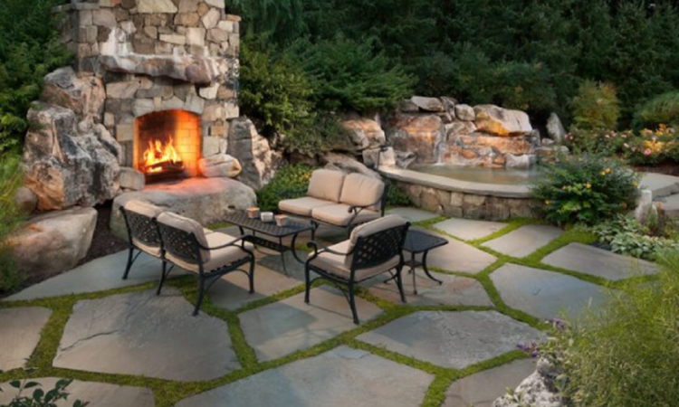 Flagstone-in-Your-Patio-for-Complete-Natural-Feel