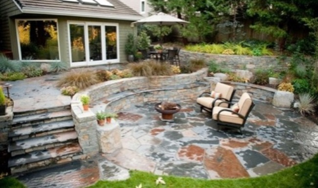 Flagstone in Your Patio for Creating Vantage Point