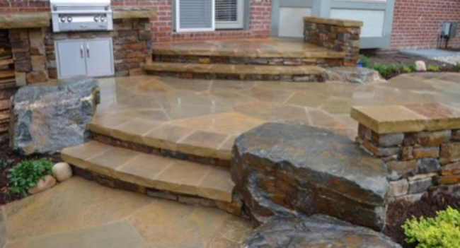 Flagstone in Your Patio for Interesting Terrain