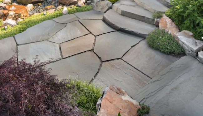 Flagstone in Your Patio for Permeable Surfaces & Pure Texture