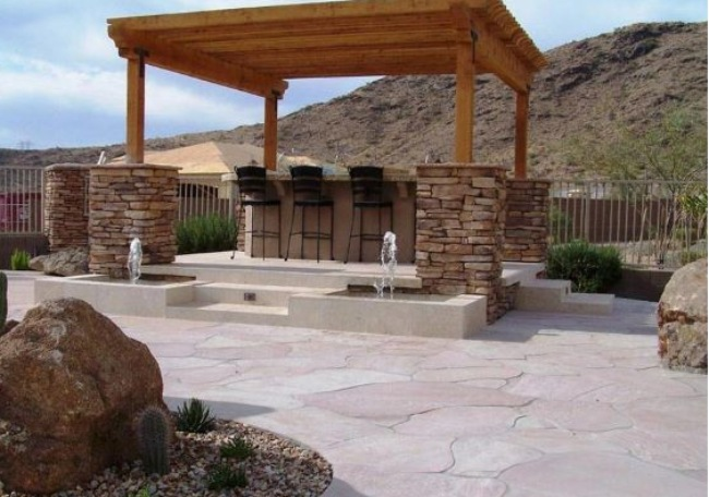 Flagstone in Your Patio for Rustic Appearance