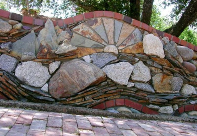 Natural Stone Wall Ideas