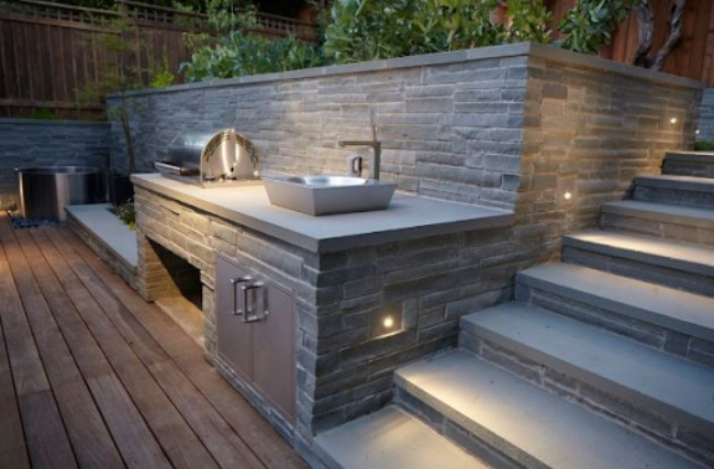 Outdoor Kitchen Wall