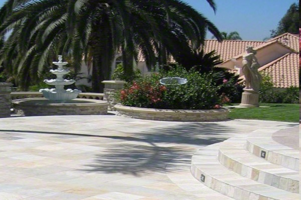 Patio with natural quartzite stones