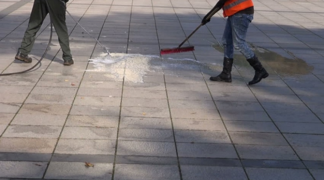 Cleaning of Granite