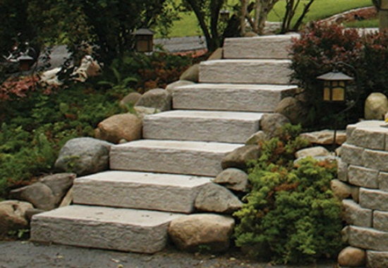Garden Steps with Limestone Pavers