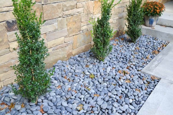 creation of Mulching Features in your landscape