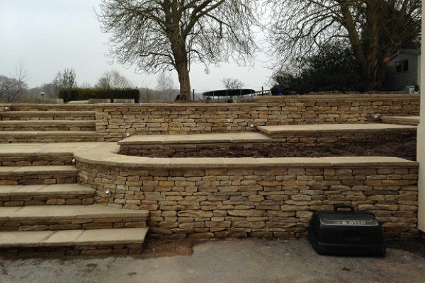 Garden Landscaping with Dry-stone Walls