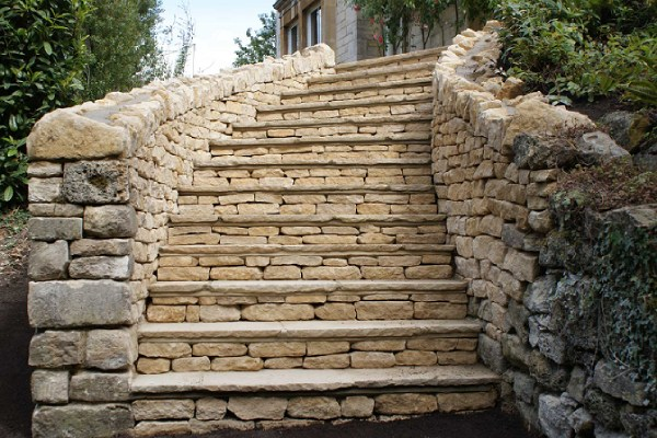 Outdoor Staircase with Dry Stones