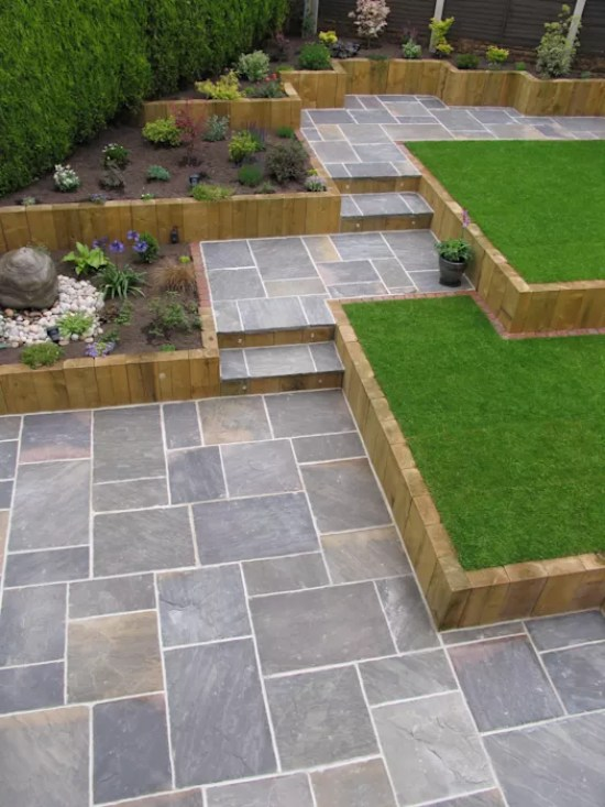 Sandstone Paving in Garden