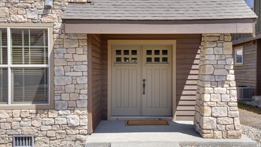10 Reasons Why Contractor Prefer Natural Stone to Build House